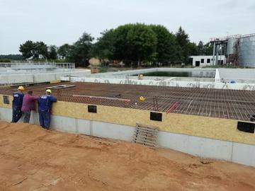 Galeria Postęp prac pod zblokowany reaktor biologiczny z budynkiem technicznym Maj21